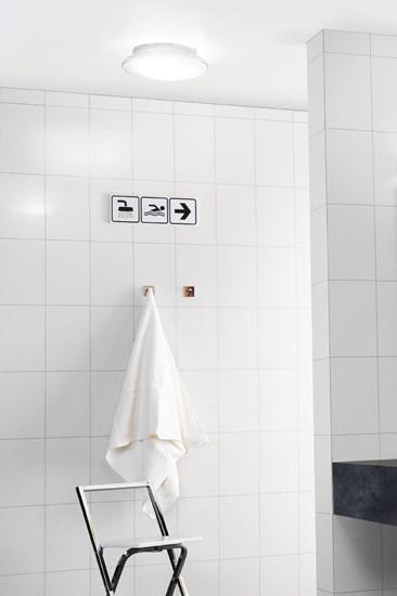 a10_public_bathroom