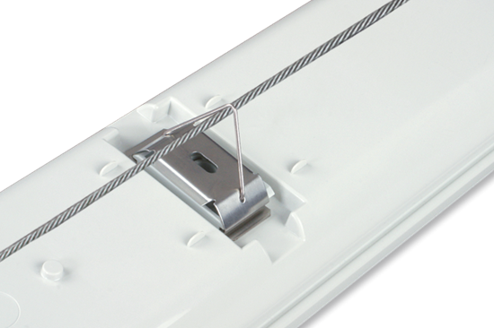 i40_triangle_bracket_for_horizontal_wire_is_included