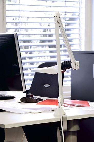kfm_led_wh_low_vision_office