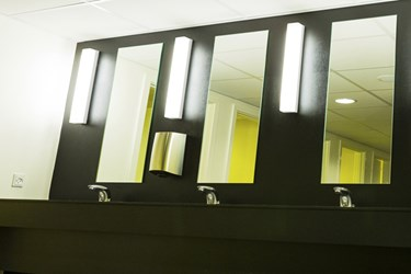 env_a70-w365_bathroom_2
