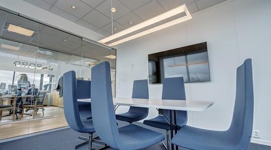 env_c75_meeting_room