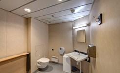 cruise_crew_bathroom