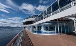 cruise_promenade_deck