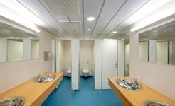 cruise_public_restroom