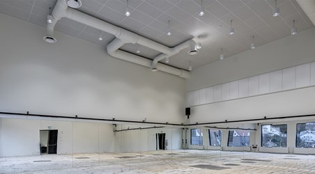 d70-p_high-ceiling