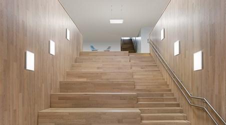 c95-w_stairway