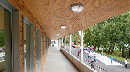 o10-s290-x_ceiling-school